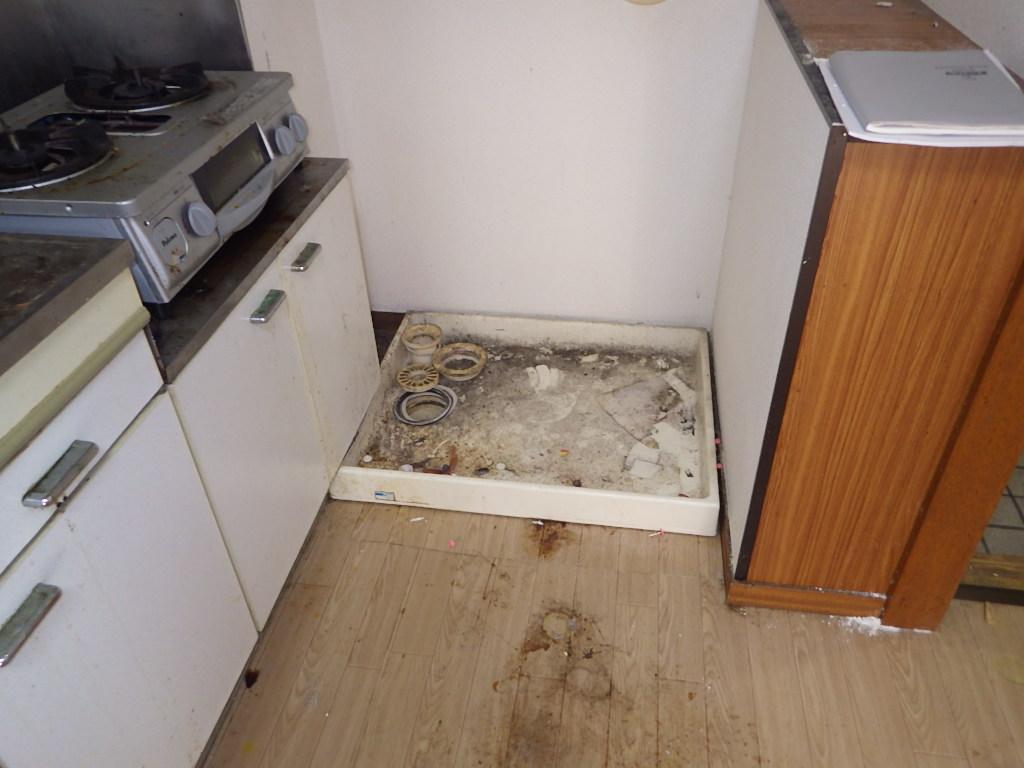 洗濯機パン 移設 排水工事 キッチン リフォーム S様賃貸物件   現場実況